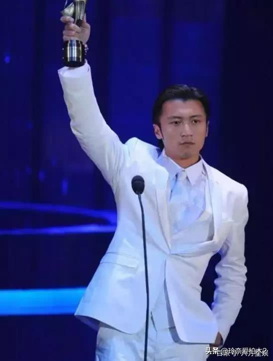 谢霆锋唱歌好听吗<strong>杀手粤语</strong>?